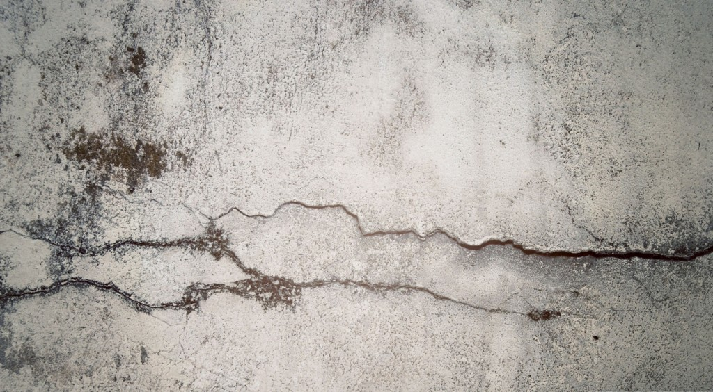 why concrete get cracked