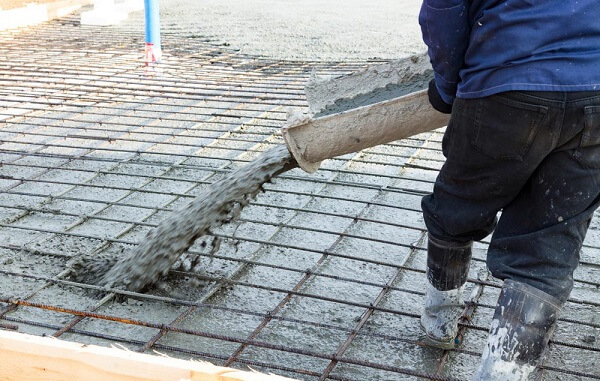 Concrete-pump Operator Does Minimal Wastage